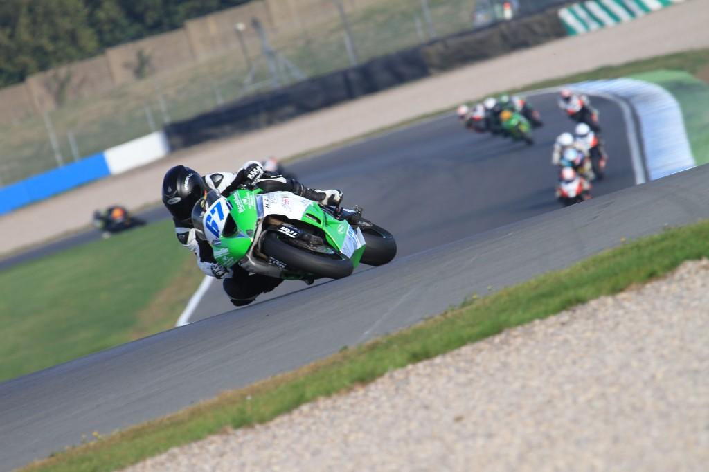 Slick race tyres