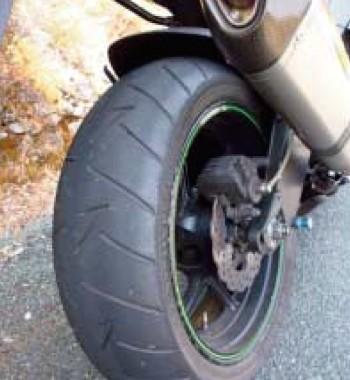 Sport touring tyre on sports bike