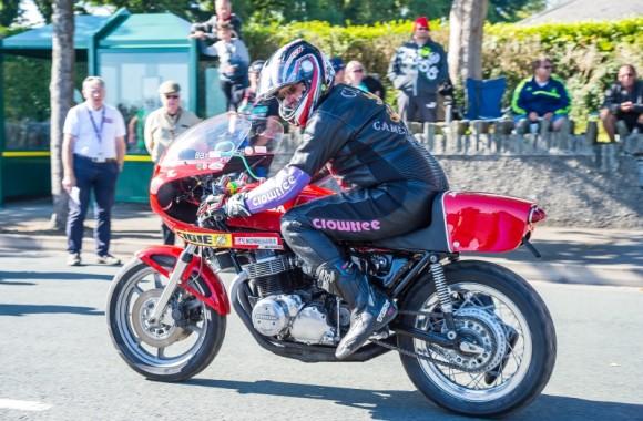 manx-grand-prix-2016-classic-racer-parade-lap-10