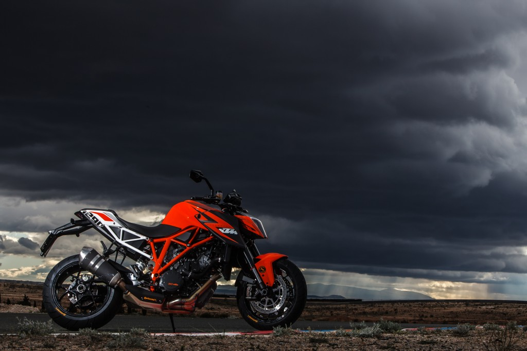 Best KTM 1290 Superduke tyres