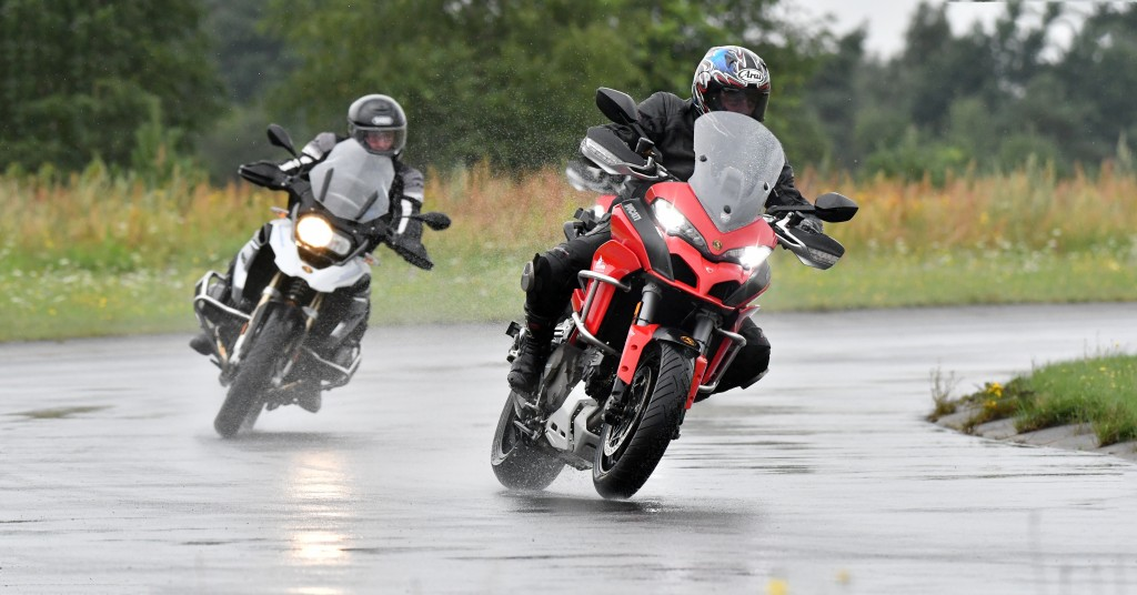 ContiRoadAttack 3 wet weather test sport touring tyres